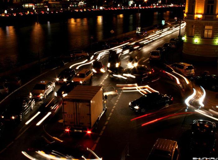 Пауза в движении 2 | Ночная Москва - Авторский Фотосайт: http://www.shunk.ru/photo/859/
