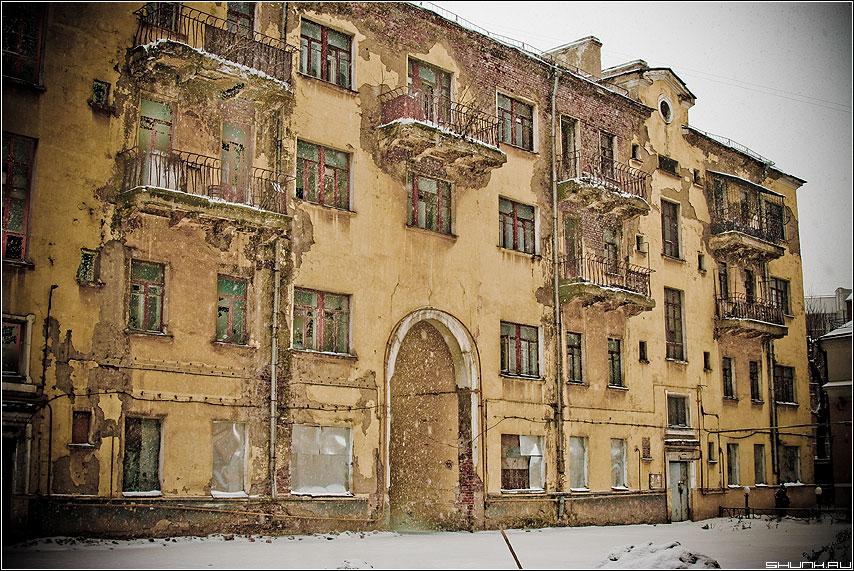 Заброшенный дом - центр москвы заброшенный дом фото фотосайт
