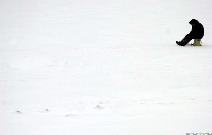 Одинокий Рыбак - рыбак у прорубя фото фотосайт