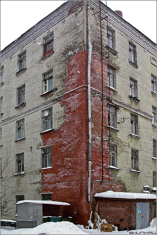 Уголок - стена кирпичи дом фото фотосайт