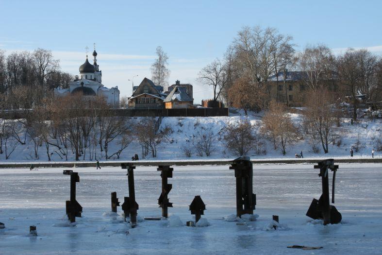 На том берегу - церковь пристань зима фото фотосайт