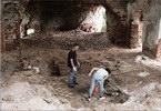 Внутри - церковь восстановление храм