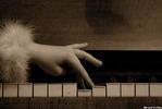 До ре ми... - рука пианино клавиши