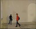 На биенале - люди выставка биенале свитер